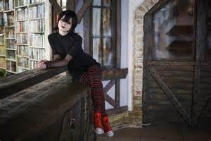 hotel transylvania dracula and mavis images amp pictures becuo