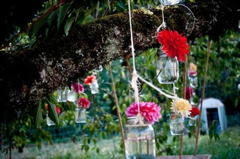 Anthropologie inspired outdoor real wedding with colorful