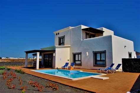 5 bedroom villas in lanzarote lanzarote accommodations villa coralia in playa blanca
