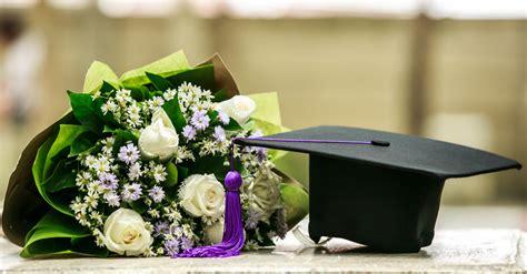 colore fiori fiori per laurea un colore per facolt 224