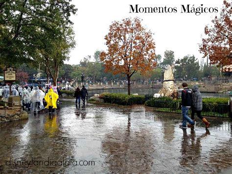 imagenes de otoño lloviendo momentos m 225 gicos lluvia en disneylandia disneylandia