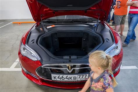 Tesla In Russia How To Sneak A Tesla Into Russia For Just 6 5 Million