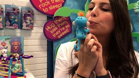 Fingerlings Baby Monkey fair 2017 wowwee fingerlings baby monkey