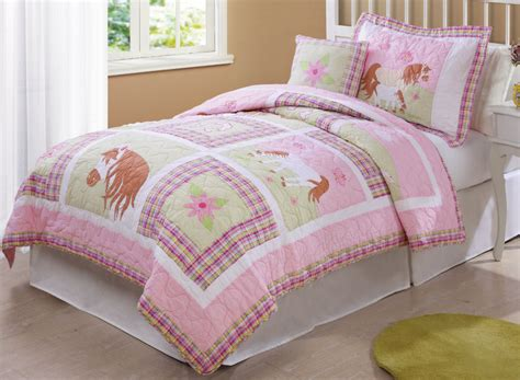 horse coverlet horse bedding in pink love my horse quilt twin or full