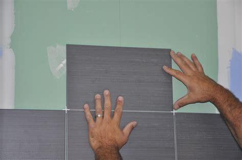 comment poser des carreaux de fa 239 ence dans la salle de bain notre tutoriel