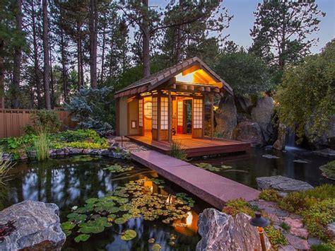 Cabin Bedroom Ideas 6 amazing meditation rooms designmaz