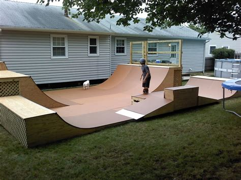 how to build a backyard skatepark triyae backyard skatepark bmx various design