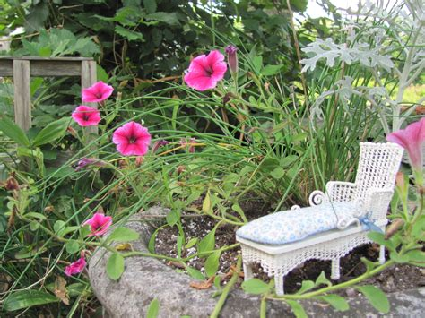 white cottage gardens white cottage chic wicker chaise lounge 1 12 miniature
