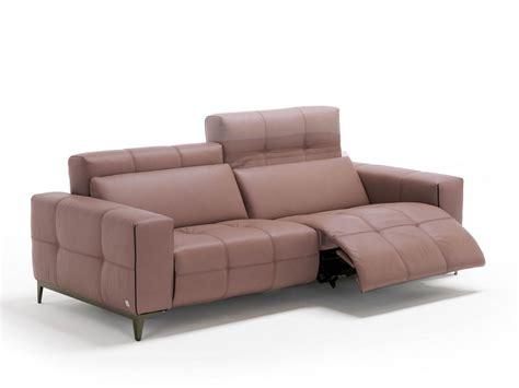 divani egoitaliano divano capitonn 233 in pelle a 3 posti con poggiapiedi