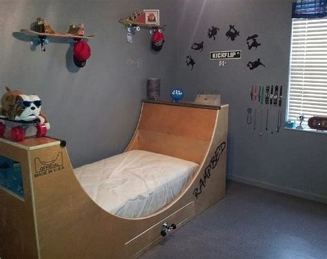 skateboard bedroom furniture 96 best skater room ideas images on skateboard