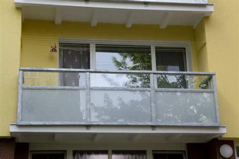 Folie Na Balkonové Sklo by Balkonov 225 Z 225 Bradl 237 Balkony A Lodžie Abadia A S
