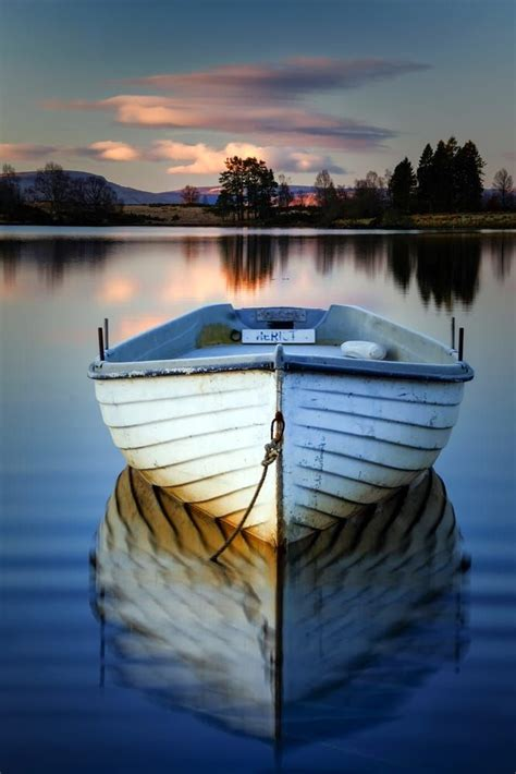 pictures of boats on the lake 10 best images about boats on pinterest fishing villages