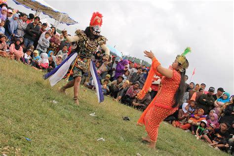 Candra Kirana Sebuah Saduran Atas Panji tari topeng lengger tari penyebar agama islam indonesiakaya eksplorasi budaya di zamrud