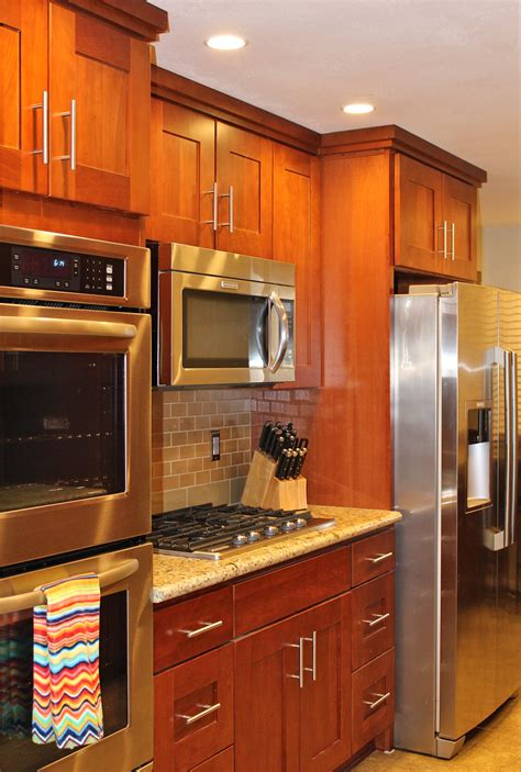 natural cherry kitchen cabinets natural cherry wood kitchen cabinets roselawnlutheran