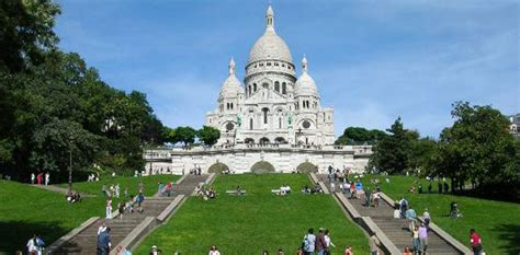 18 Square Meters To Feet by What To See And Do In Montmartre