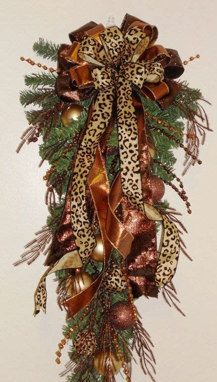 love the leopard holiday christmas decor http