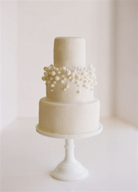 Diy Wedding Cake Simple diy 10 white fondant bubbly wedding cake once wed