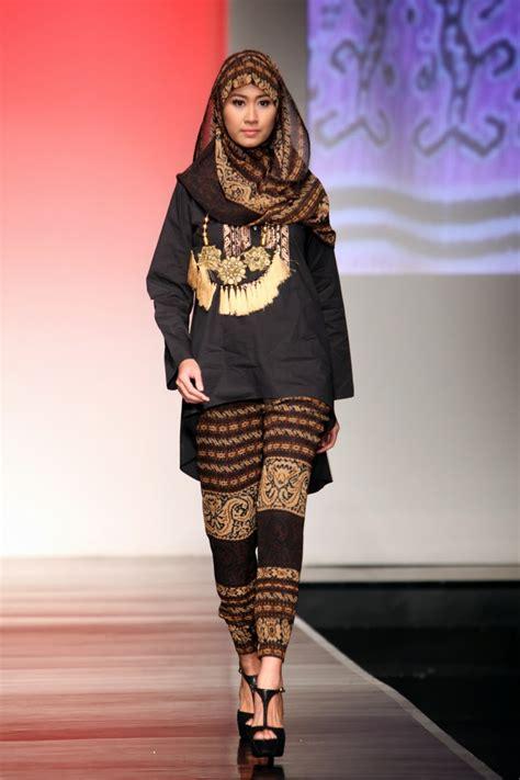 Baju Muslim Wanita Rok 003 model baju batik wanita muslim yang populer modelbusana