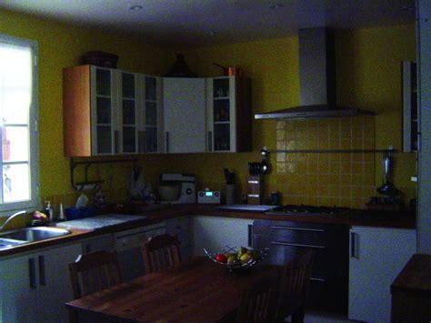 comment am駭ager une cuisine de 9m2 ma cuisine est sombre que faire solatube