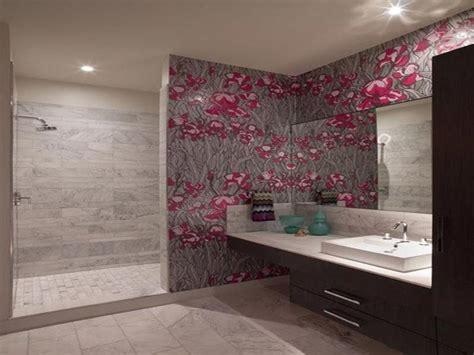 Badezimmer Fliesen Tapete by Kann Im Badezimmer Tapeten Verwenden
