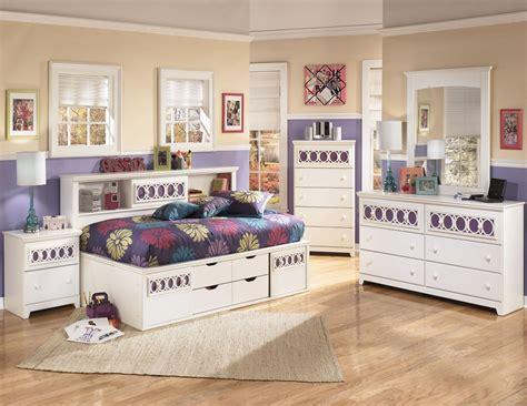 zayley bedroom set zayley bookcase bedroom set from ashley b131 85 51 82