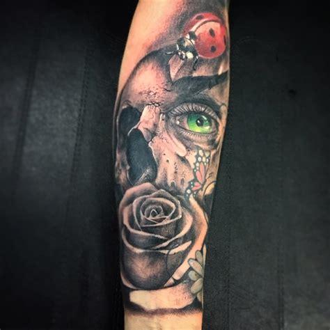 tatuajes de calaveras y rosas calavera rosa