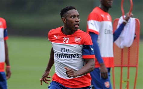 arsenal team news danny welbeck scores penalty as arsenal videos five danny welbeck goals that show manchester