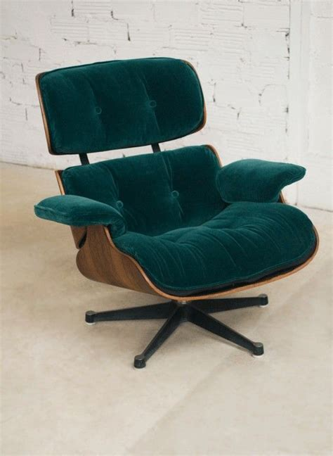 fauteuil eames lounge chair charles eames lounge chair fauteuil charles eames velours vert vitra authentique v 233 ritable