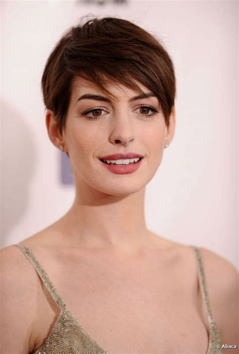 movie actresses short hairstyles hollywood actress anne hathaway pictures photos