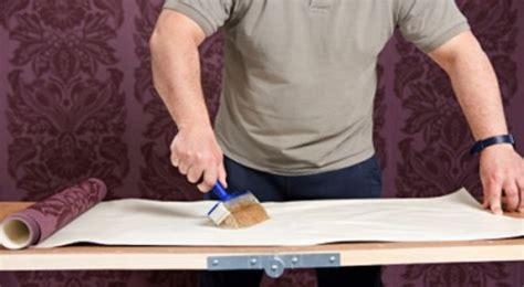 cara memasang wallpaper dinding kamar tidur inilah cara jitu memasang wallpaper dinding sendiri