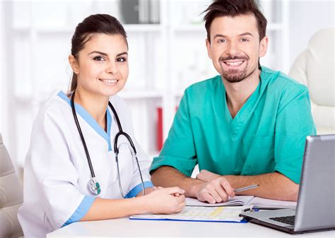 medical assistant vs physician assistant