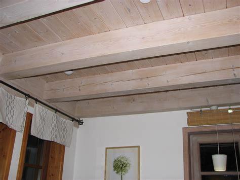 Holzdecke Lackieren Oder Lasieren by Jetzt Holzdecke Wei 223 Streichen Naturfarben Aktuell