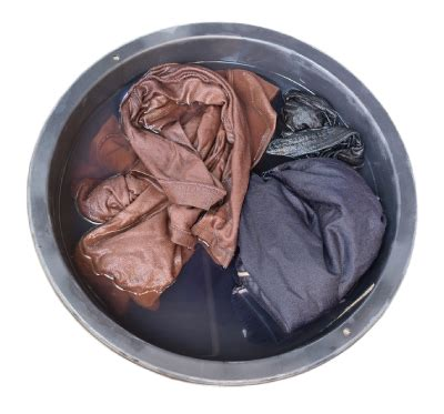 how to wash clothes in sink 4 tips and tricks to keep your clothes clean when on
