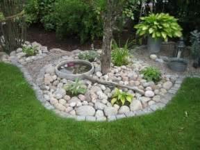 garten wasser stein garten gestaltungsideen steine wasser mini reich pflanzen