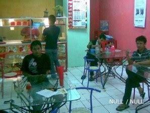 Lu Jamur Semarang mencocol pedasnya laba kedai lumpia