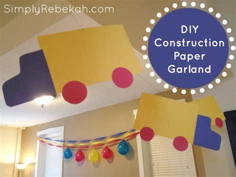 diy decorations with construction paper cheap easy construction paper birthday decorations simply rebekah