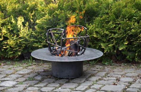 feuerschale oder feuerkorb starkes st 252 ck feuerschale oder feuerkorb aus flachstahl