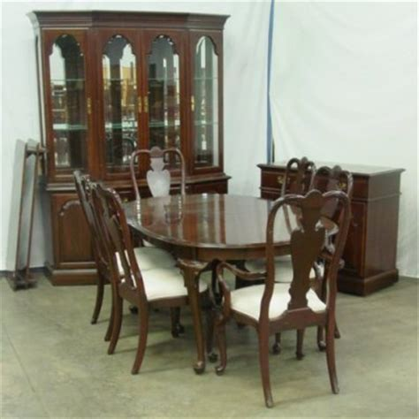 queen anne dining room 1925a ethan allen queen anne dining room set lot 1925a