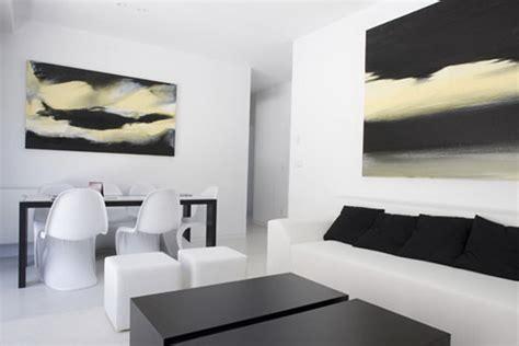 htons contemporary home design decor show черно белый интерьер противоположности притягиваются
