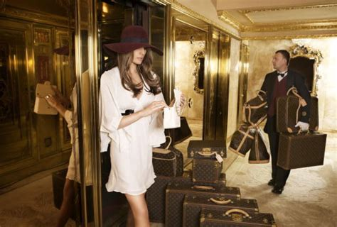 trump tower gold room 21 crazy trump family secrets urbanjoker