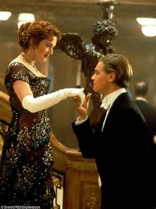 titanic film gross leonardo dicaprio reveals how kate winslet encouraged him
