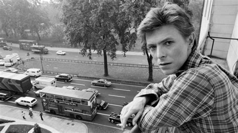 Read All About The New Mrs Bowie by Review David Bowie S A New Career In A New Town Box Set