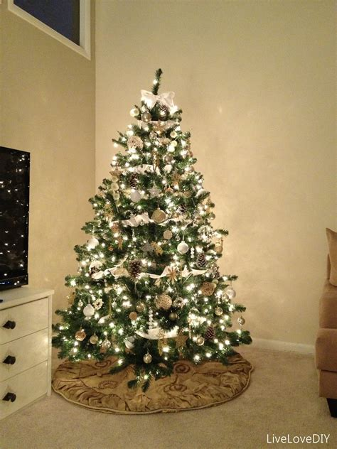 2 look pretty have a christmas tree you can be proud of