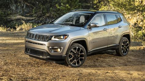 new jeep 2018 compass 2018 jeep compass unveiled at la motor show here next