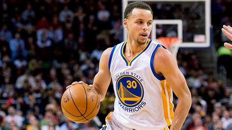 steph curry of the golden state warriors still leads nba