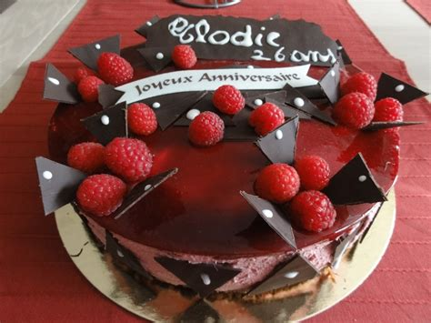 decoration gateau chocolat framboise