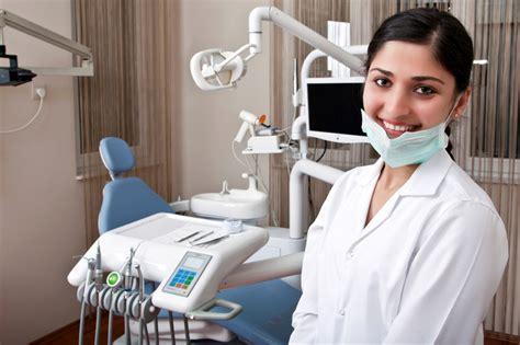 best dentists top 5 best dental universities in canada