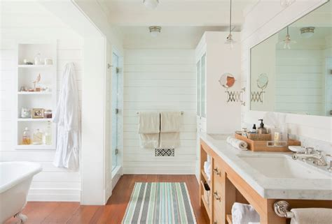 Nantucket Badezimmer by Shiplap Bathroom Bathroom Style With Nantucket Style
