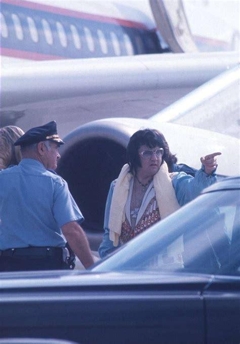 elvis presley plane 17 best images about elvis in 1976 on pinterest johnson