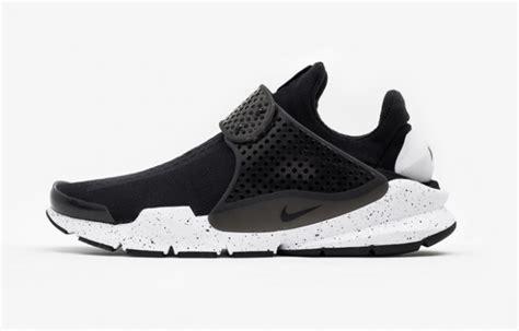 Nike Sock Dart Black White the nike sock dart black white now has an international release date kicksonfire